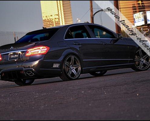 Тюнинг Mercedes W212 в Москве: аэродинамические обвесы для